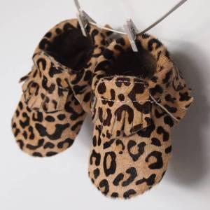 original_leather-baby-toddler-moccasins-in-safari
